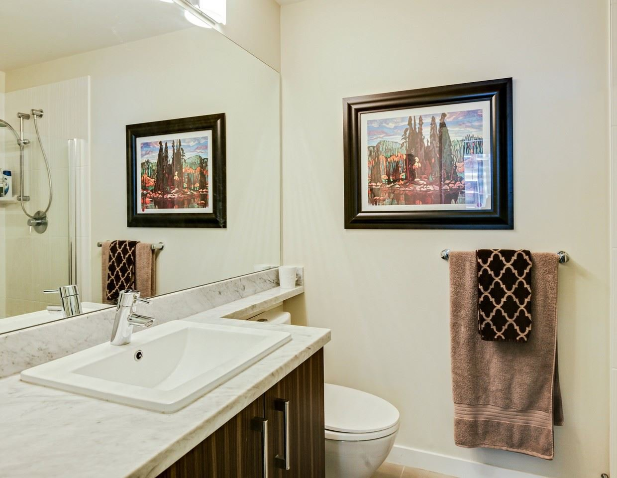 Photo 12: Photos: 319 119 W 22ND STREET in North Vancouver: Central Lonsdale Condo for sale : MLS®# R2047201