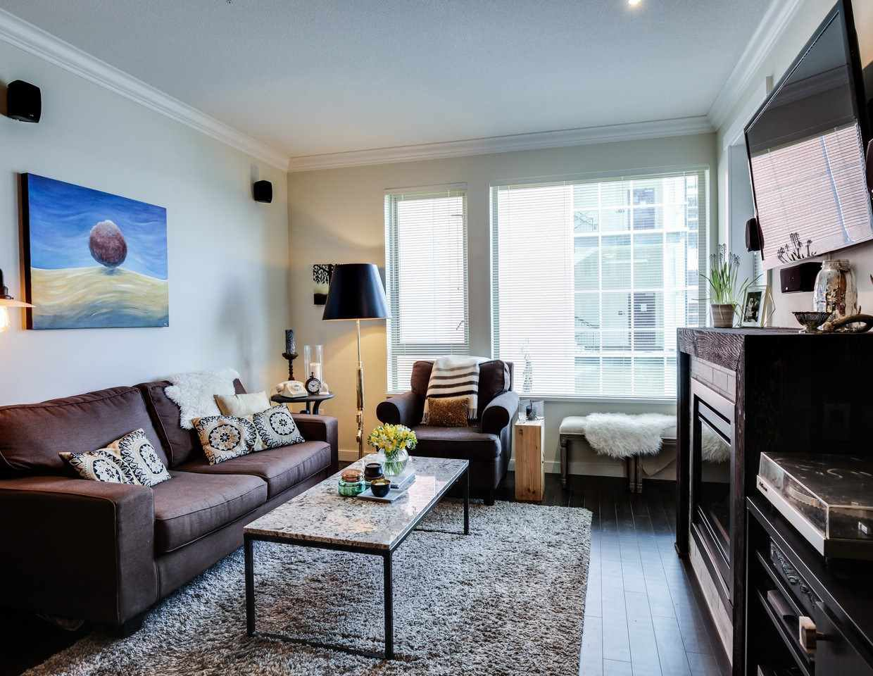 Photo 6: Photos: 319 119 W 22ND STREET in North Vancouver: Central Lonsdale Condo for sale : MLS®# R2047201