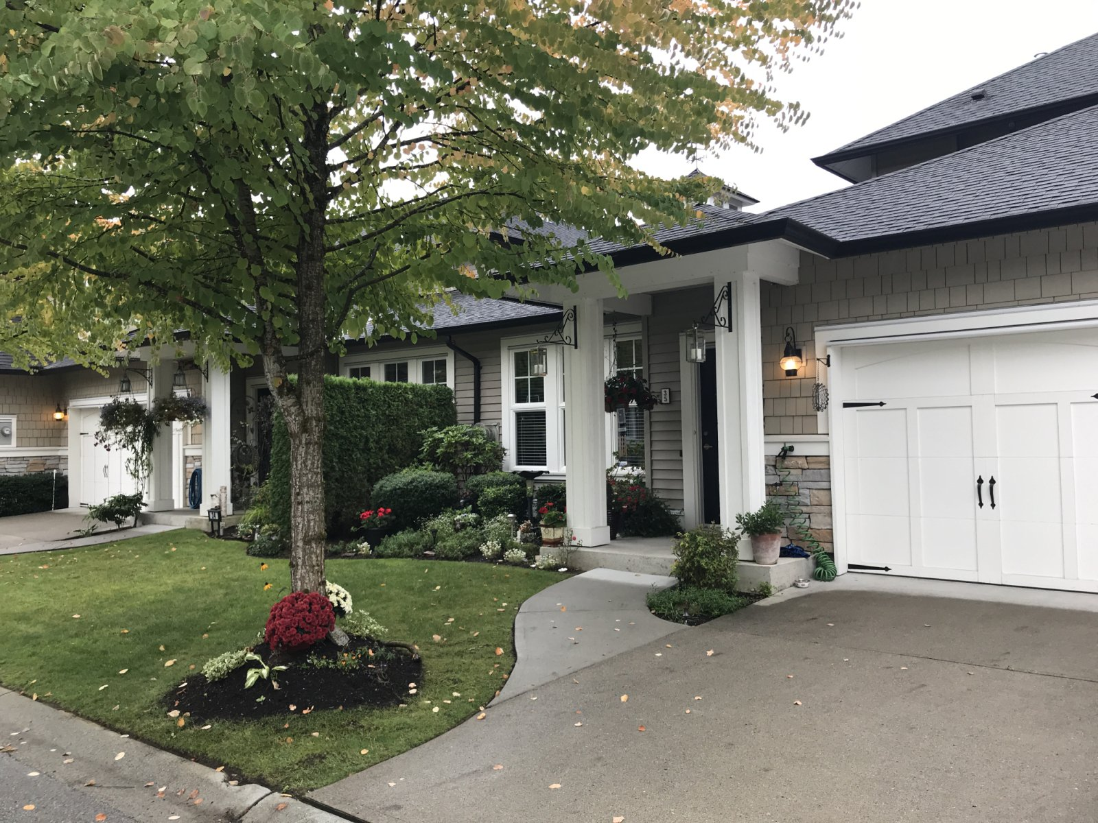 Main Photo: 35 - 19452 Fraser Way in Pitt Meadows: House for sale