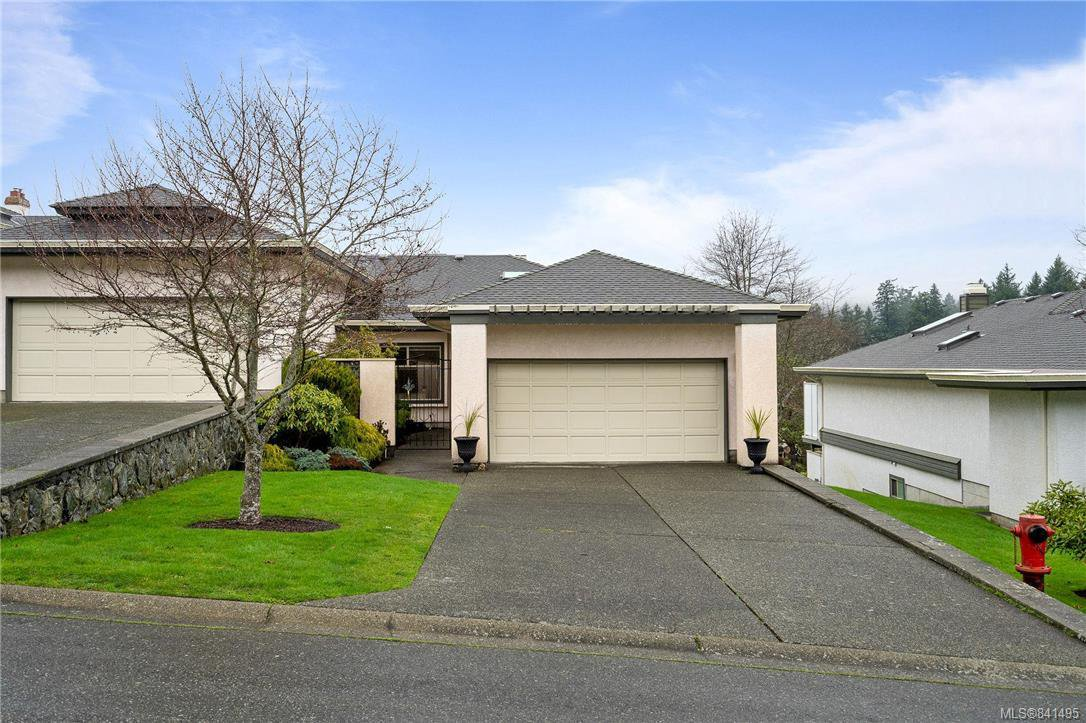 Main Photo: 25 4360 Emily Carr Dr in Saanich: SE Broadmead Row/Townhouse for sale (Saanich East)  : MLS®# 841495