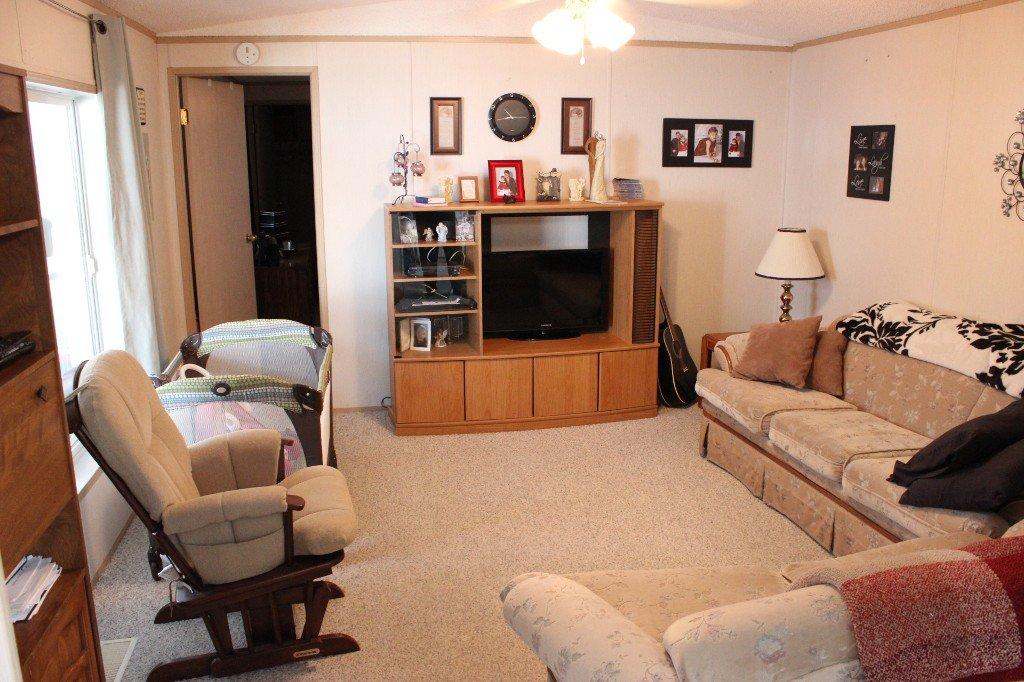 Photo 3: Photos: 4 2805 Westsyde Road in Kamloops: Westsyde Manufactured Home for sale : MLS®# 119353