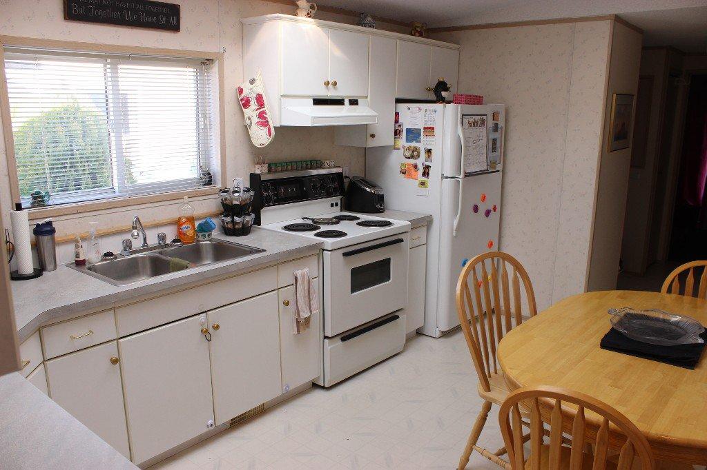 Photo 4: Photos: 4 2805 Westsyde Road in Kamloops: Westsyde Manufactured Home for sale : MLS®# 119353
