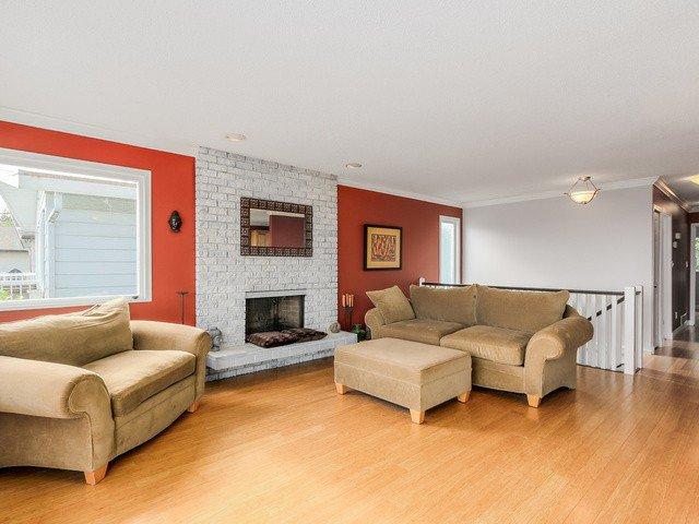 Photo 2: Photos: 14763 THRIFT AV: White Rock House for sale (South Surrey White Rock)  : MLS®# F1441311