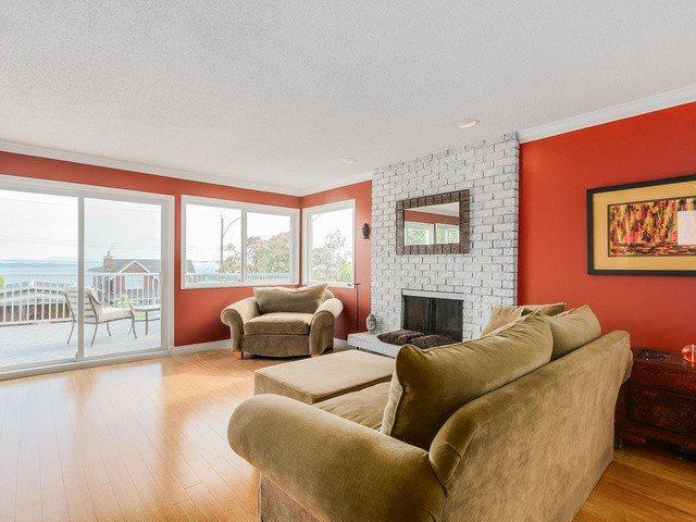 Photo 3: Photos: 14763 THRIFT AV: White Rock House for sale (South Surrey White Rock)  : MLS®# F1441311