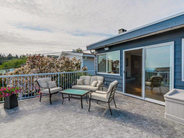 Photo 4: Photos: 14763 THRIFT AV: White Rock House for sale (South Surrey White Rock)  : MLS®# F1441311
