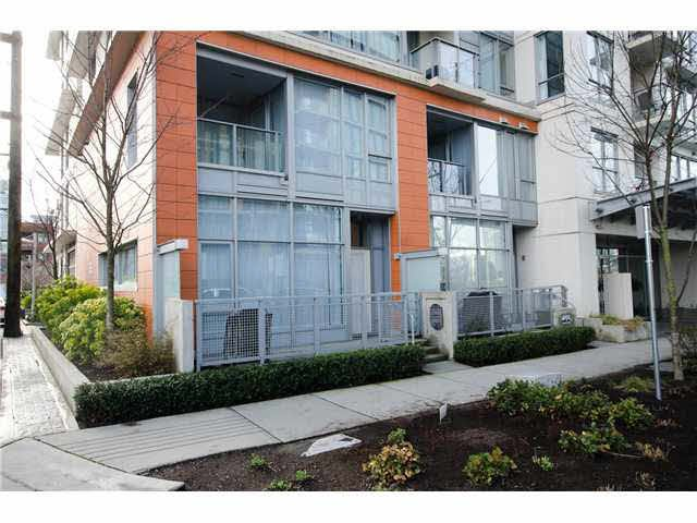 Main Photo: 1839 Crowe Street in Vancouver: False Creek Townhouse for sale (Vancouver West)  : MLS®# V1077606