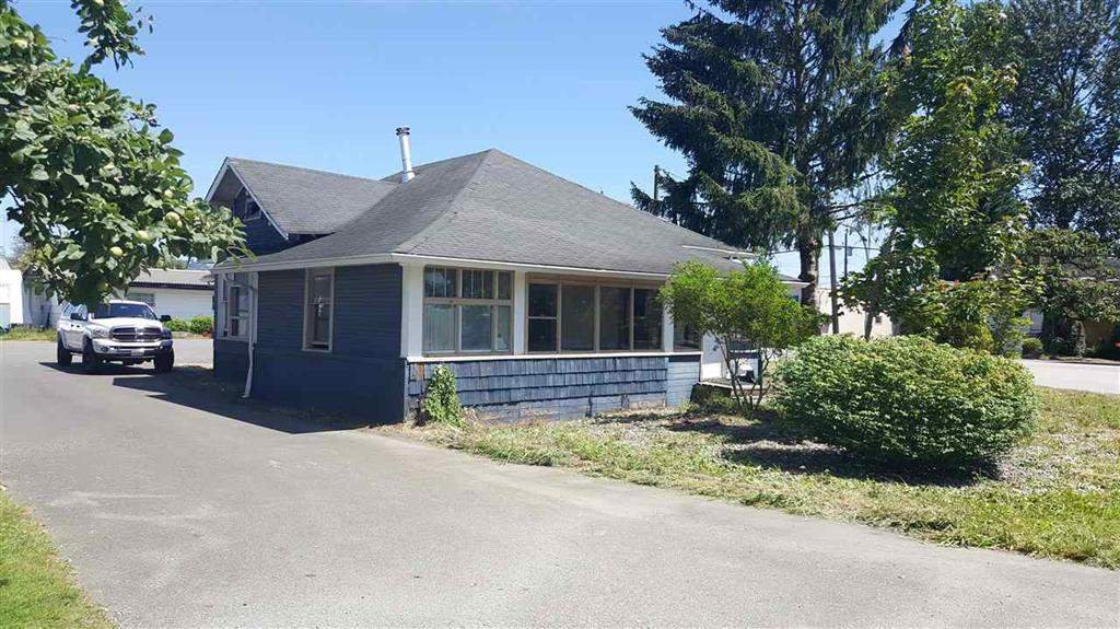 Main Photo: 34595 2ND Avenue in Abbotsford: Poplar House for sale : MLS®# R2263393