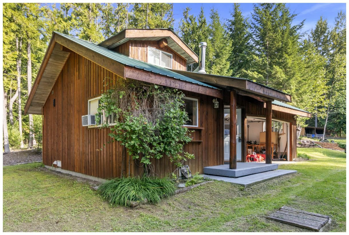Photo 26: Photos: 5150 Eagle Bay Road in Eagle Bay: House for sale : MLS®# 10164548