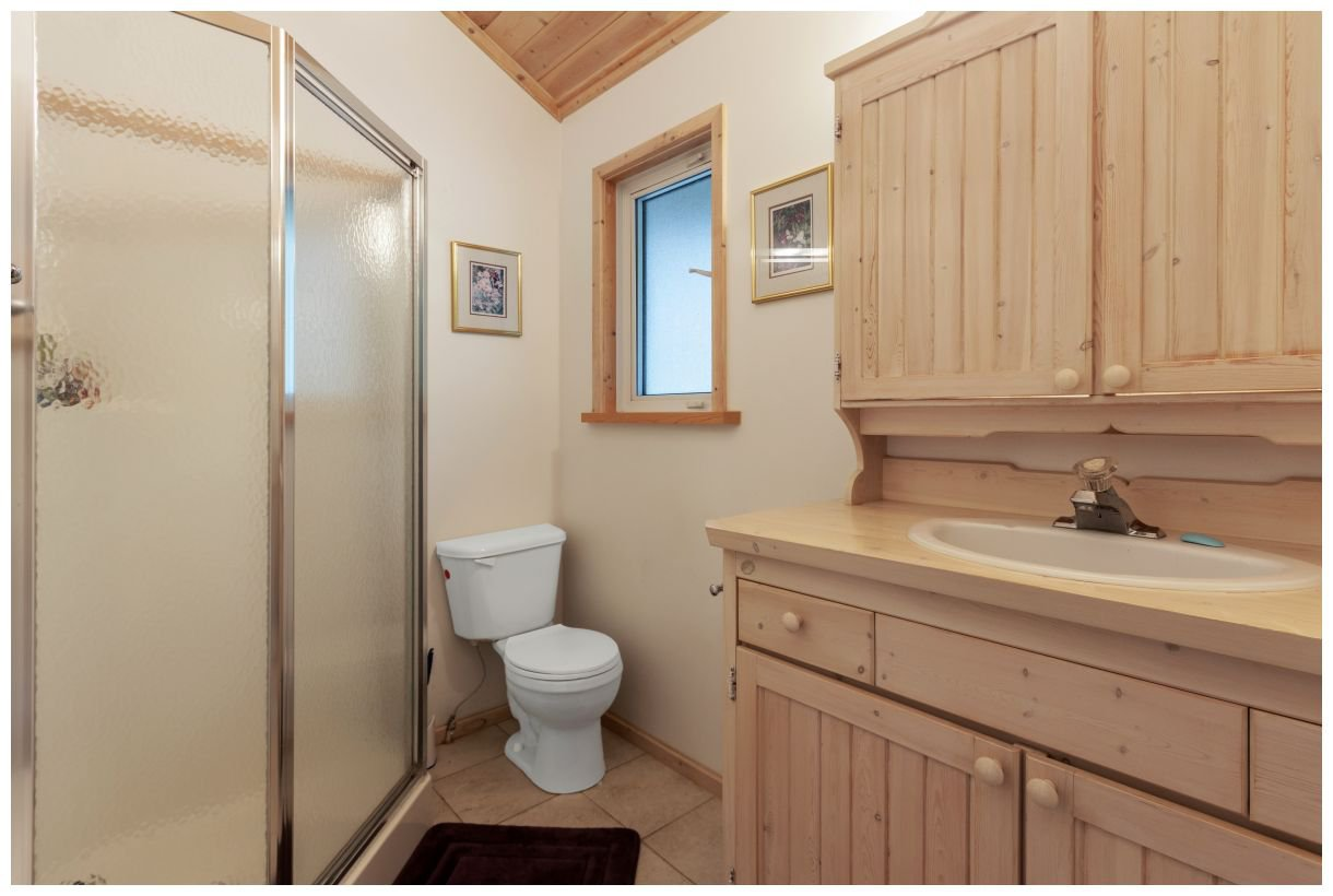 Photo 31: Photos: 5150 Eagle Bay Road in Eagle Bay: House for sale : MLS®# 10164548