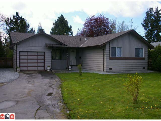 Main Photo: 19690 55A Avenue in Langley: Langley City House for sale : MLS®# f1009295