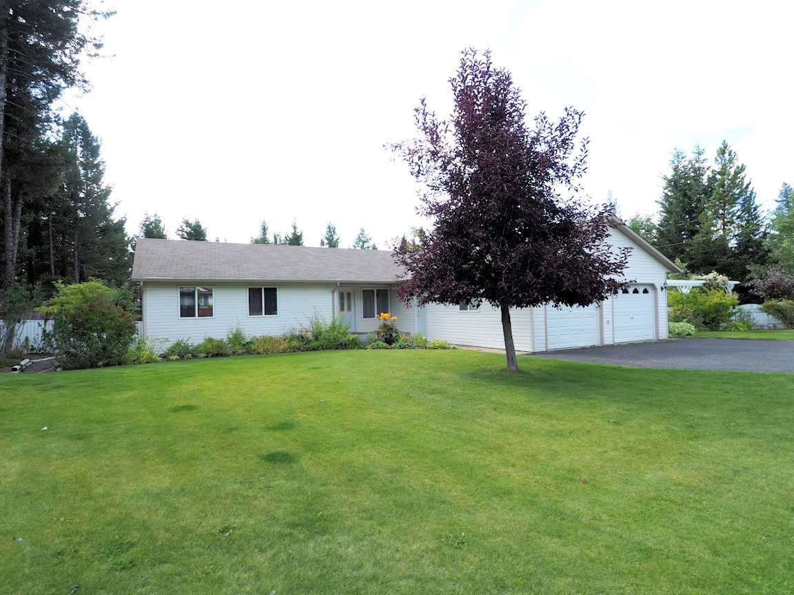 Main Photo: 4866 KITWANGA Drive in 108 Mile Ranch: 108 Ranch House for sale (100 Mile House (Zone 10))  : MLS®# R2401969