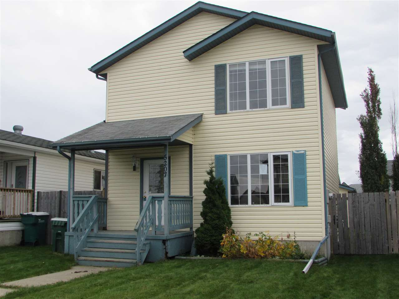Main Photo: 5207 49 Avenue: Gibbons House for sale : MLS®# E4175425