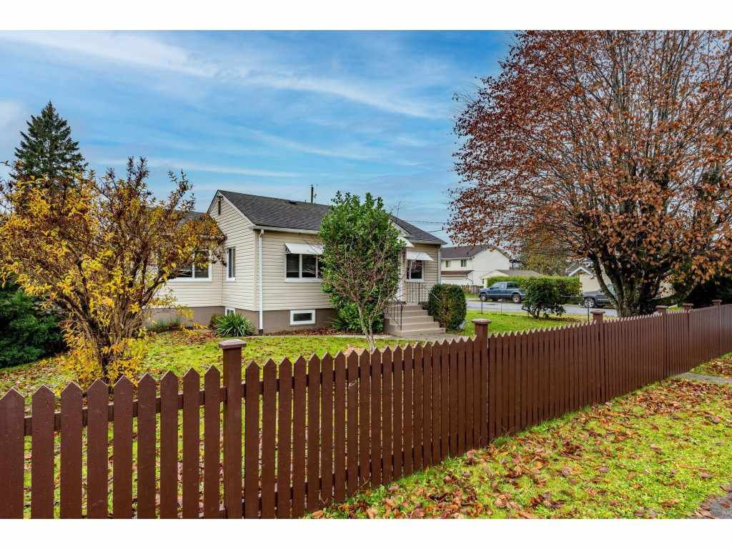 Main Photo: 9495 CORBOULD Street in Chilliwack: Chilliwack N Yale-Well House for sale : MLS®# R2519484