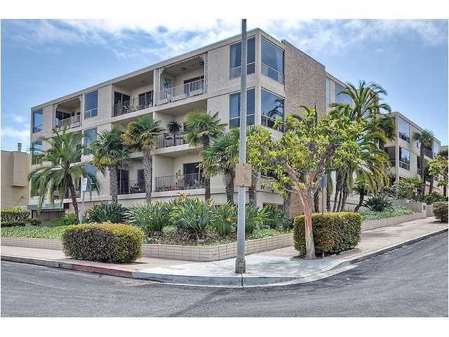 Main Photo: POINT LOMA Condo for sale : 2 bedrooms : 390 San Antonio Avenue #4 in San Diego