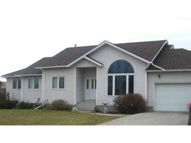 Main Photo: 23 Robin Drive in LASALLE: Brunkild / La Salle / Oak Bluff / Sanford / Starbuck / Fannystelle Residential for sale (Winnipeg area)  : MLS®# 1222900