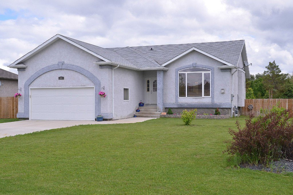 Main Photo: 15 Tyler Bay in Oakbank: Single Family Detached for sale : MLS®# 1414494