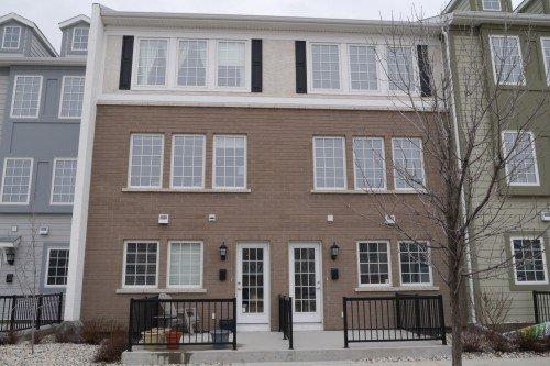 Main Photo: 107 15 Bridgeland Drive in Winnipeg: Townhouse for sale (South Winnipeg)  : MLS®# 1605844