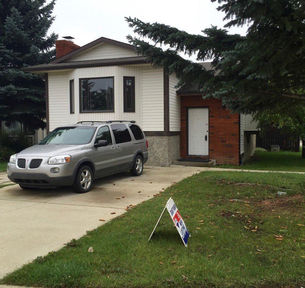 Main Photo: 18737 70 Avenue NW: Edmonton House for sale : MLS®# E4036498