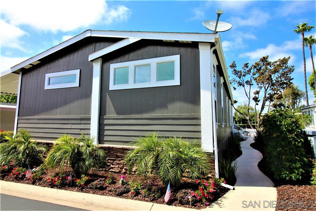 Main Photo: CARLSBAD SOUTH Manufactured Home for sale : 3 bedrooms : 7312 San Luis #281 in Carlsbad