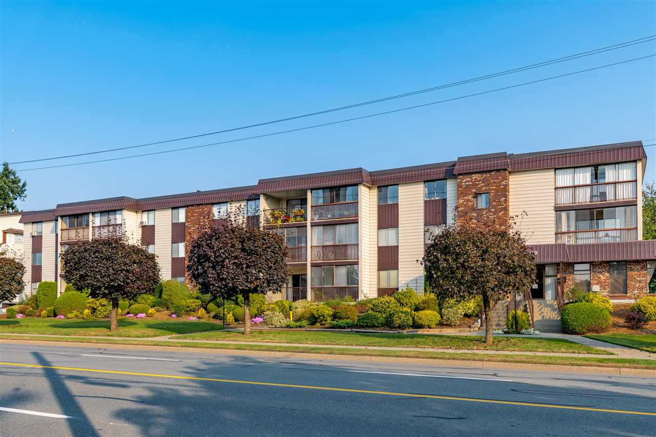 "Main Photo: 104 32119 OLD YALE Road in Abbotsford: Abbotsford West Condo for sale in ""Yale Manor"" : MLS®# R2505188"