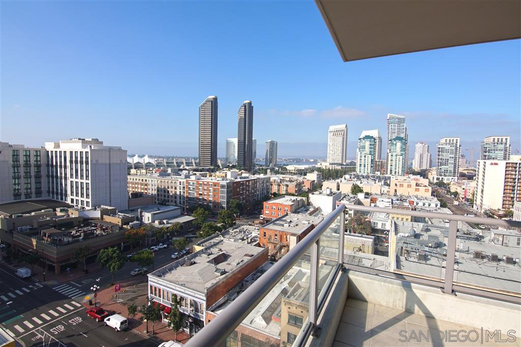 Main Photo: DOWNTOWN Condo for sale : 2 bedrooms : 575 6TH AVE #1008 in SAN DIEGO
