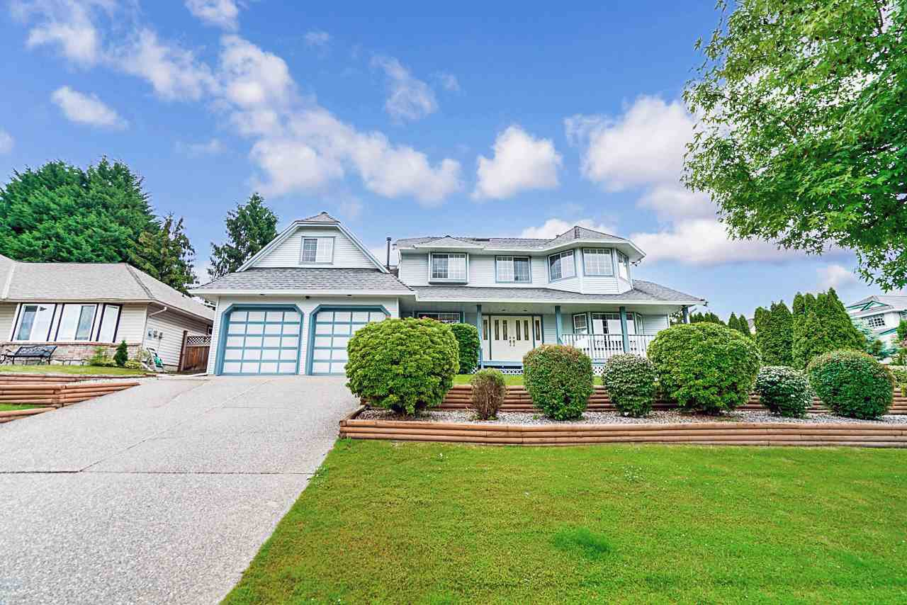 "Main Photo: 6474 179 Street in Surrey: Cloverdale BC House for sale in ""ORCHARD RIDGE"" (Cloverdale)  : MLS®# R2469192"