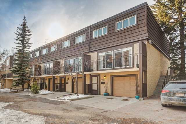 Main Photo: 702 3130 66 Avenue SW in CALGARY: Lakeview Townhouse for sale (Calgary)  : MLS®# C3554805