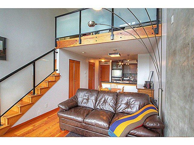 Photo 1: Photos: # 305 7 RIALTO CT in New Westminster: Quay Condo for sale : MLS®# V1030137