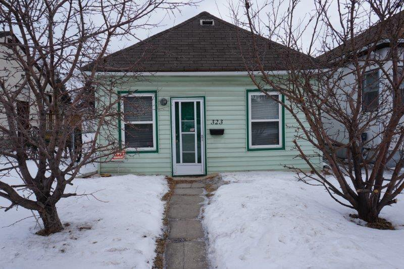 Main Photo: 323 Ferry Road in : St. James Single Family Detached for sale