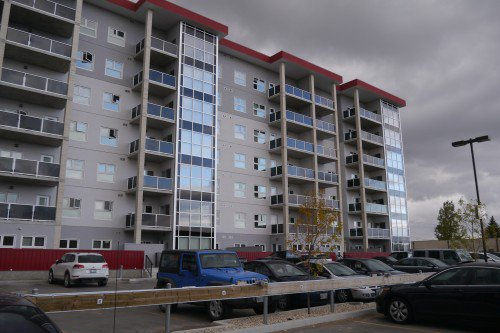 Main Photo: 214 70 Barnes Street in Winnipeg: Fairfield Park Condo for sale (South Winnipeg)  : MLS®# 1527311