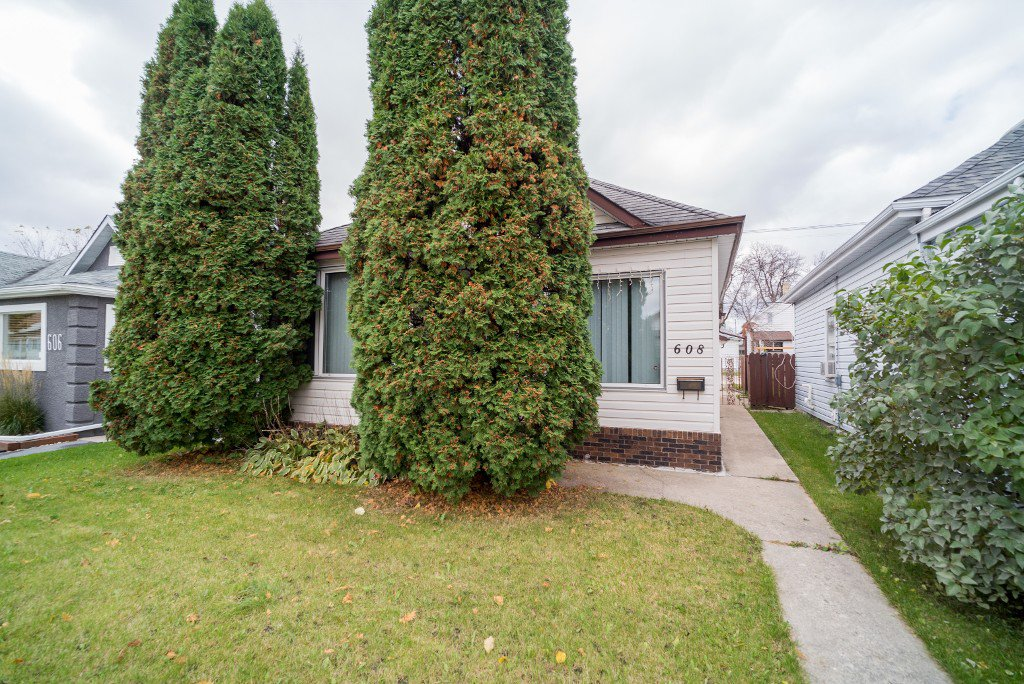 Main Photo: 608 Polson Avenue in Winnipeg: North End Single Family Detached for sale (4C)  : MLS®# 1705288