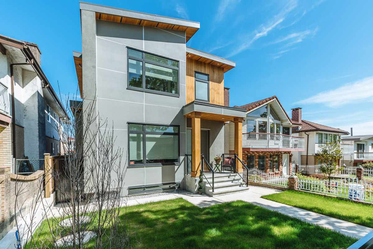 Main Photo: 3449 E 28TH AVENUE in Vancouver: Renfrew Heights House for sale (Vancouver East)  : MLS®# R2268902