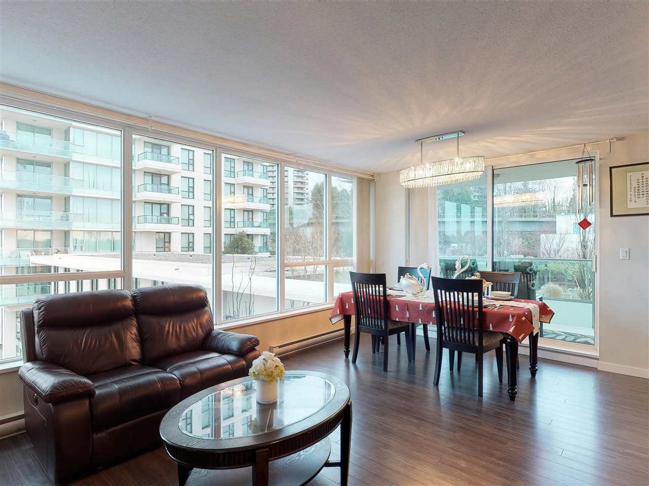 Photo 5: Photos: 405 2232 DOUGLAS ROAD in Burnaby: Brentwood Park Condo for sale (Burnaby North)  : MLS®# R2347040