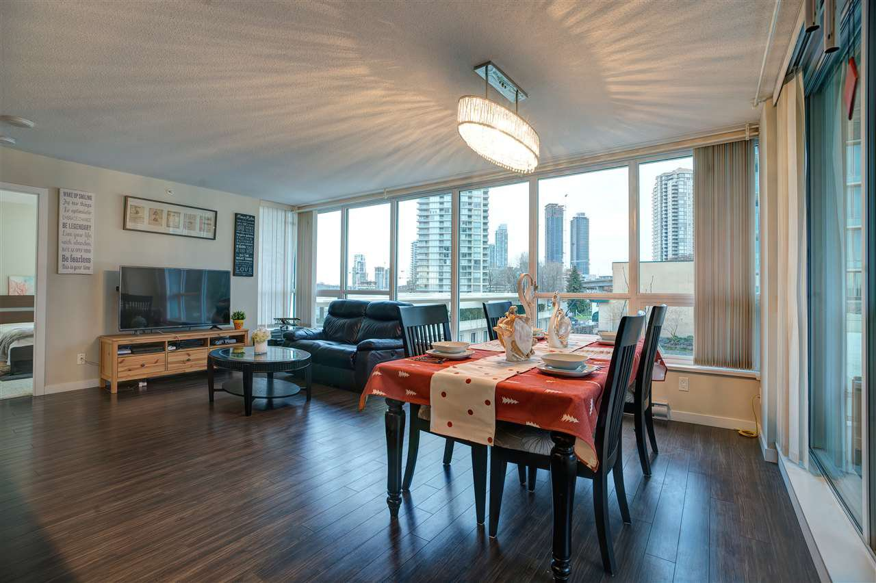 Photo 8: Photos: 405 2232 DOUGLAS ROAD in Burnaby: Brentwood Park Condo for sale (Burnaby North)  : MLS®# R2347040