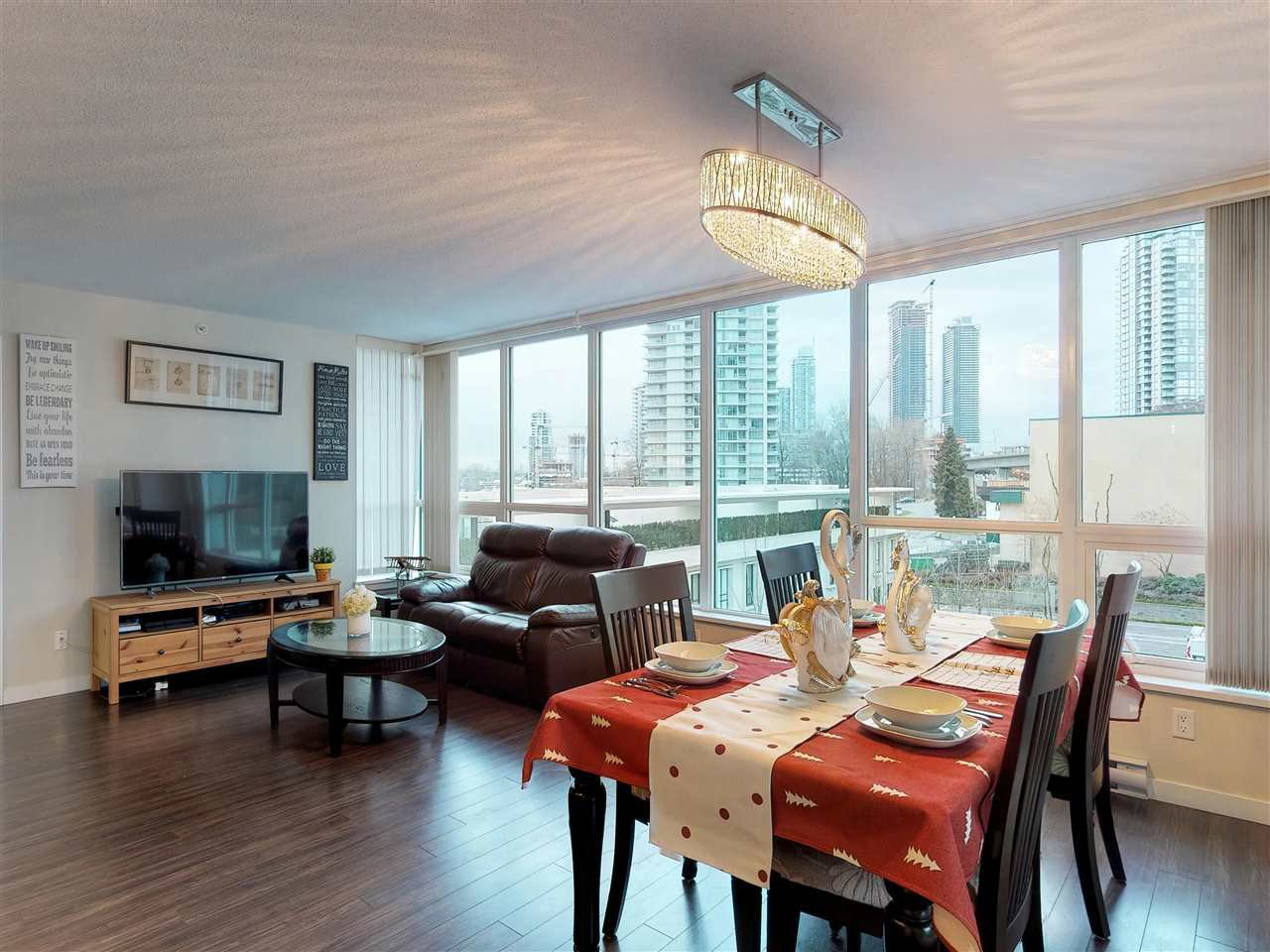 Photo 10: Photos: 405 2232 DOUGLAS ROAD in Burnaby: Brentwood Park Condo for sale (Burnaby North)  : MLS®# R2347040