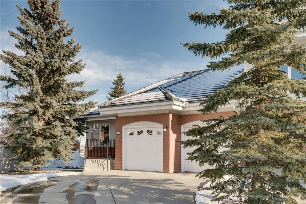 Main Photo: 123 Patina Court SW in Calgary: Patterson Row/Townhouse for sale : MLS®# C4278744
