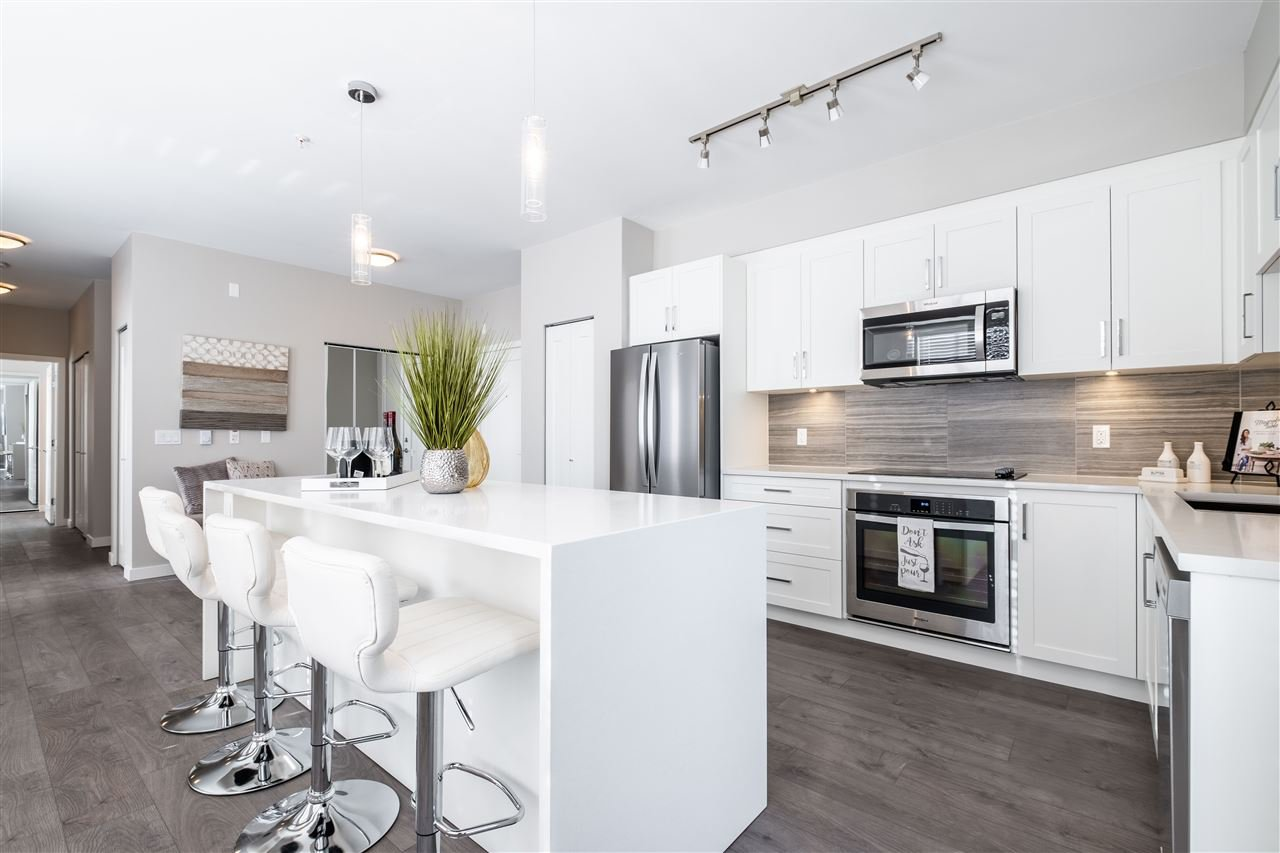 """Main Photo: F404 20211 66 Avenue in Langley: Willoughby Heights Condo for sale in """"Elements"""" : MLS®# R2427986"""
