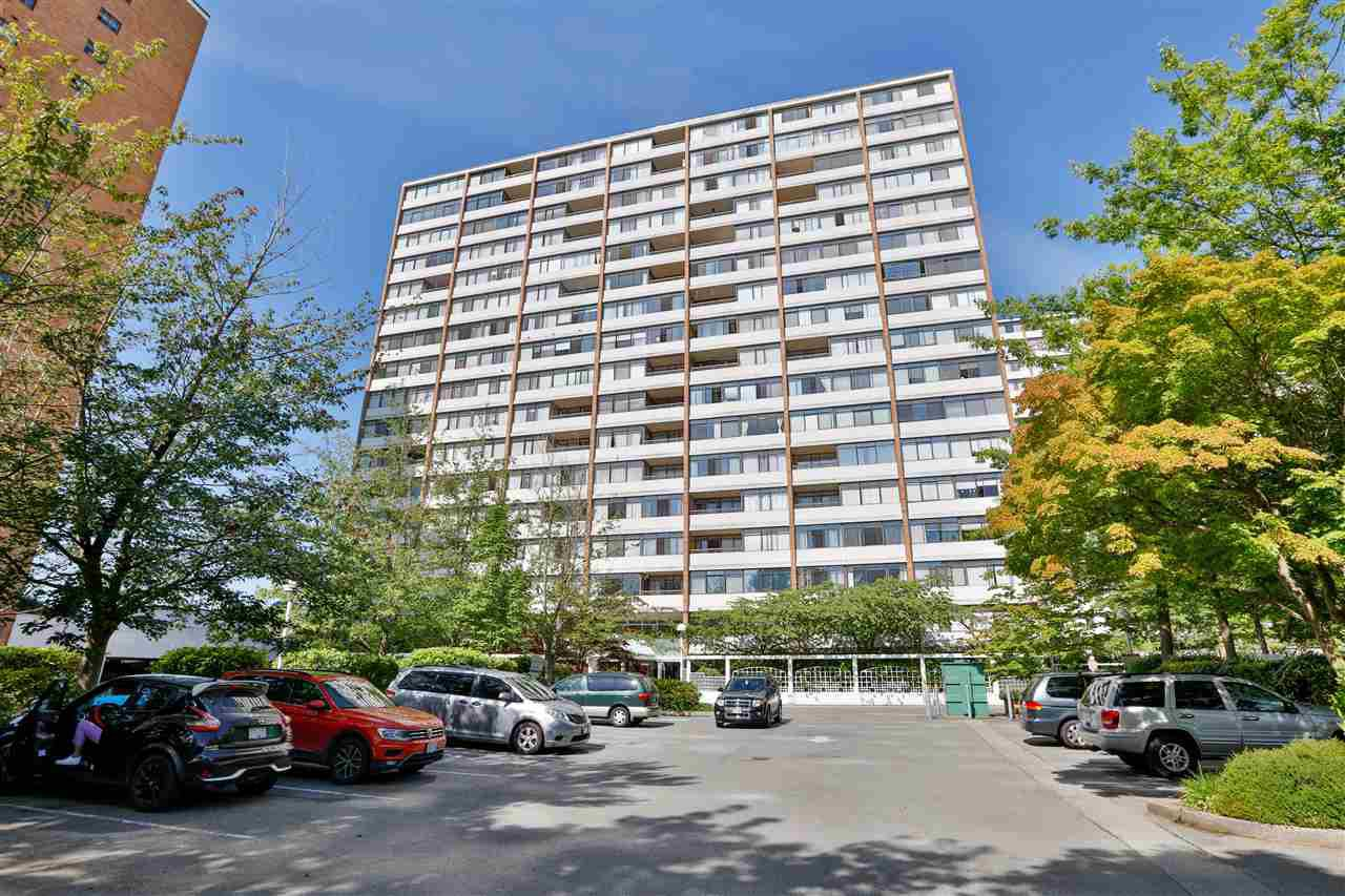 """Main Photo: 1608 6631 MINORU Boulevard in Richmond: Brighouse Condo for sale in """"Regency Park Towers"""" : MLS®# R2481493"""