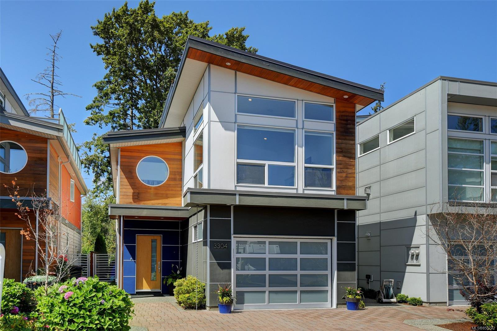 Main Photo: 3304 Radiant Way in : La Happy Valley House for sale (Langford)  : MLS®# 850772