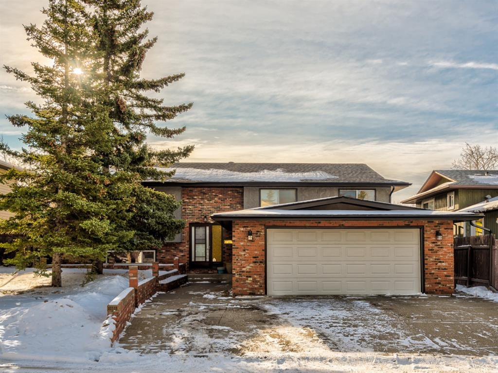 Main Photo: 107 Ranchero Place NW in Calgary: Ranchlands Detached for sale : MLS®# A1049917
