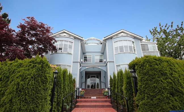 """Main Photo: 202 1467 BEST Street: White Rock Condo for sale in """"BAKERVIEW COURT"""" (South Surrey White Rock)  : MLS®# F1313192"""