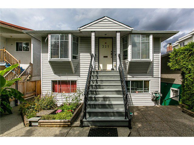 Main Photo: 321 E 16TH Avenue in Vancouver: Mount Pleasant VE House for sale (Vancouver East)  : MLS®# V1023079