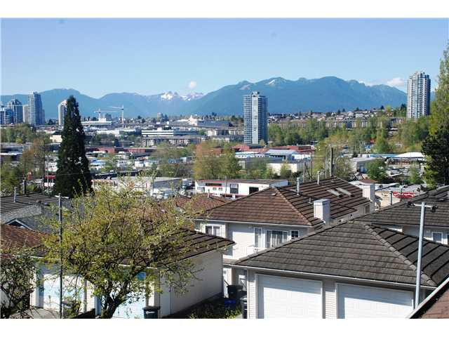 Main Photo: 5177 DOMINION ST in Burnaby: Central BN Condo for sale (Burnaby North)  : MLS®# V1117359