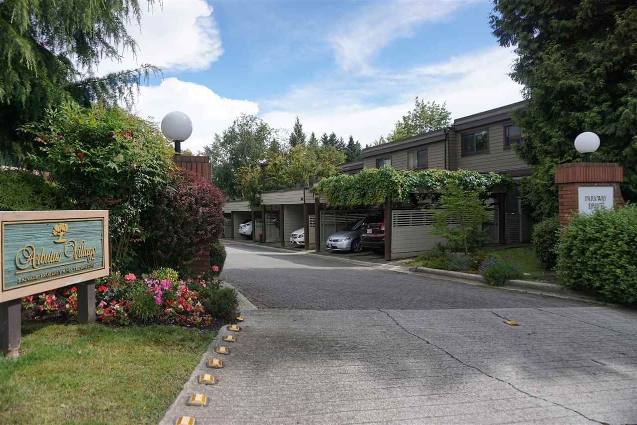 Main Photo: 3911 PARKWAY DRIVE in : Quilchena Townhouse for sale : MLS®# R2080409