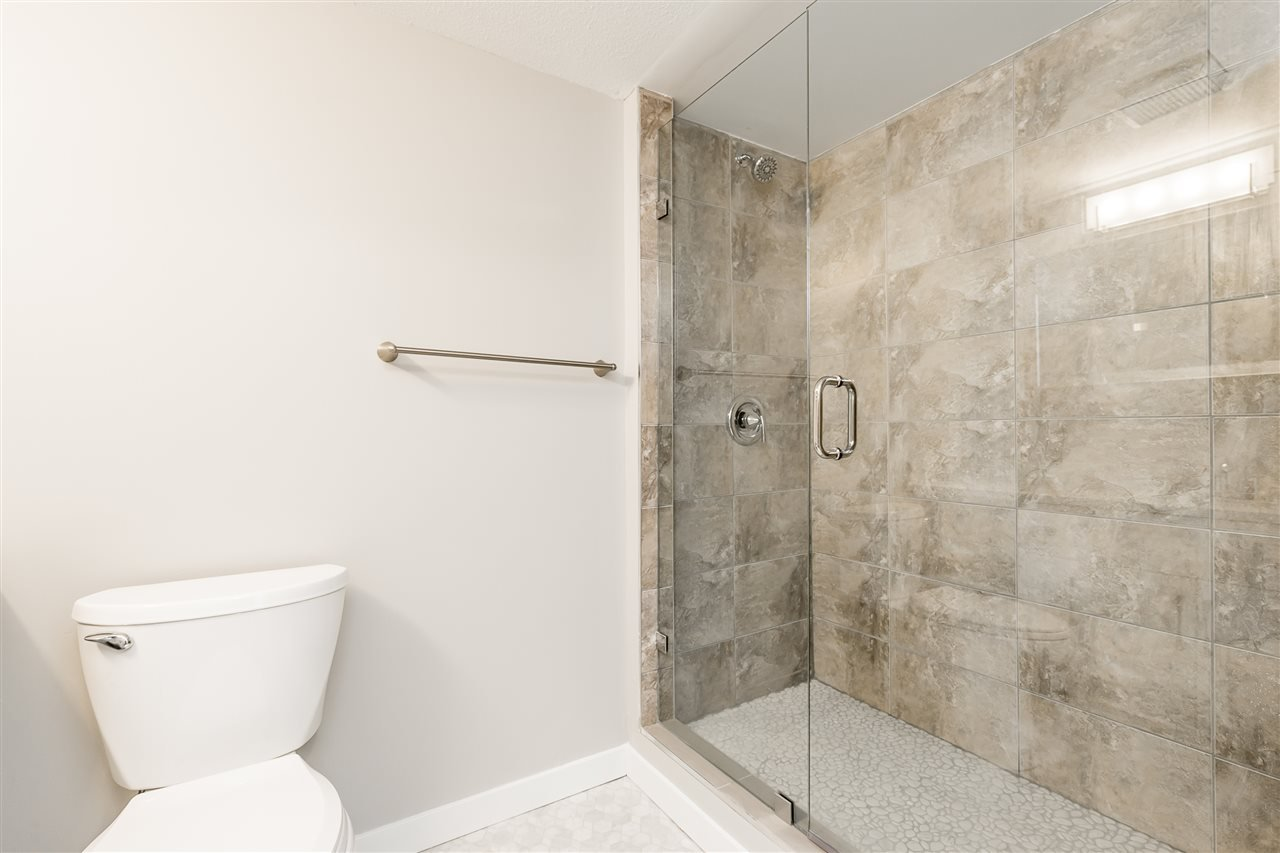 """Photo 11: Photos: 120 2451 GLADWIN Road in Abbotsford: Abbotsford West Condo for sale in """"Centennial Court"""" : MLS®# R2441924"""
