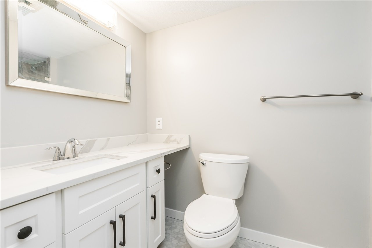"""Photo 12: Photos: 120 2451 GLADWIN Road in Abbotsford: Abbotsford West Condo for sale in """"Centennial Court"""" : MLS®# R2441924"""