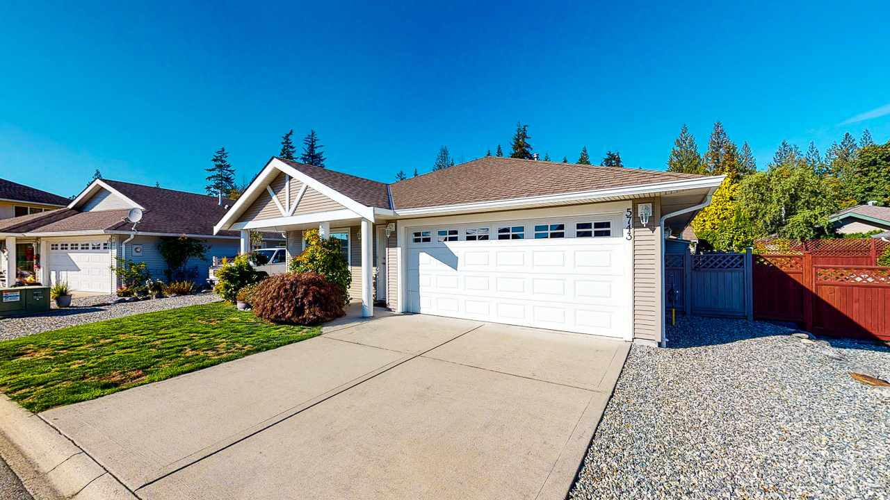 "Main Photo: 5743 CARTIER Road in Sechelt: Sechelt District House for sale in ""CASCADE HEIGHTS"" (Sunshine Coast)  : MLS®# R2507147"