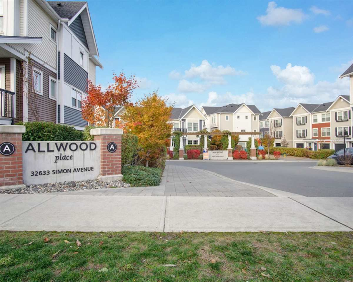 "Main Photo: 41 32633 SIMON Avenue in Abbotsford: Abbotsford West Townhouse for sale in ""ALLWOOD PLACE"" : MLS®# R2512778"