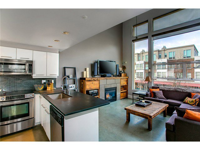 "Main Photo: 1 2088 W 11TH Avenue in Vancouver: Kitsilano Condo for sale in ""LOFTS IN KITS"" (Vancouver West)  : MLS®# V1027229"