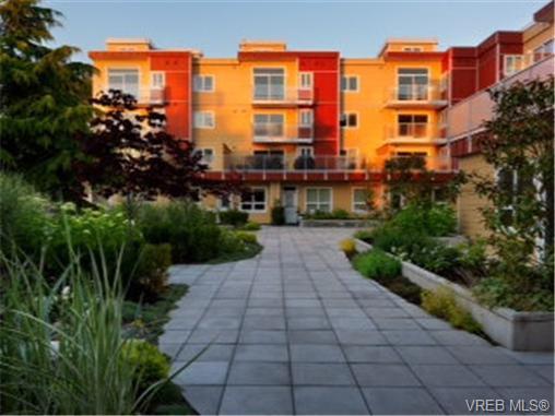 Main Photo: 313 1315 Esquimalt Road in VICTORIA: Es Saxe Point Residential for sale (Esquimalt)  : MLS®# 327110
